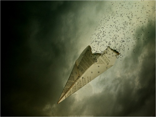 Pesawat Kertas declining