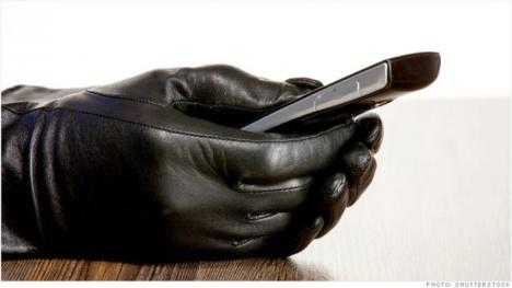 Hape di tangan Penjahat